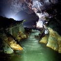Hang Son Doong(lub Son Doong Cave) - Największa jaskinia na świecie