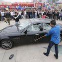 Klient rozbija swoje Maserati w proteście przeciw słabej obsłudze klienta