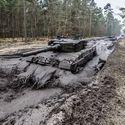 Leopard 2A4 - uchwycony podczas wiosennej kąpieli