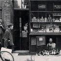 Najmniejszy sklep w Londynie, 1900