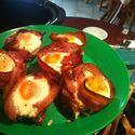 Jajka na bekonie