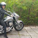 baba na motocyklu