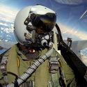 F16 eskortują boeinga 787