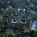 Spalony zabytkowy kościół , San Juan Parangaricutorio