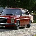 1975 Mercedes W115 300D  :)