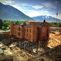 Budowa fundamentów  pod 130 letnią kaplicą.