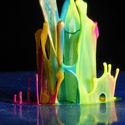 Farby na bazie wody + dźwięk z głośnika + aparat fotograficzny =