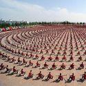 10,000 uczniów kung fu podczas pokazu